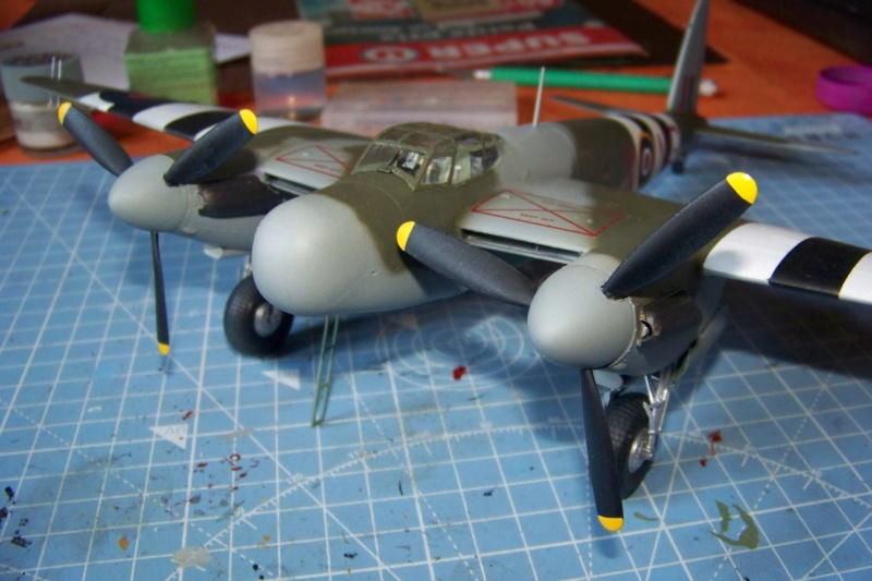 "DH 98 ""Mossie"" NF MK XIII 1/48  "" FINI ! "" - Page 3 100_5697"