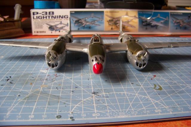 P-38J, ALG-A10 CATZ 07/44 ( Academy 1/48)( FINI ) - Page 3 100_5711