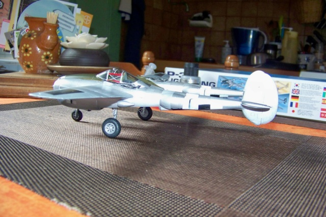 P-38J, ALG-A10 CATZ 07/44 ( Academy 1/48)( FINI ) - Page 3 100_5716