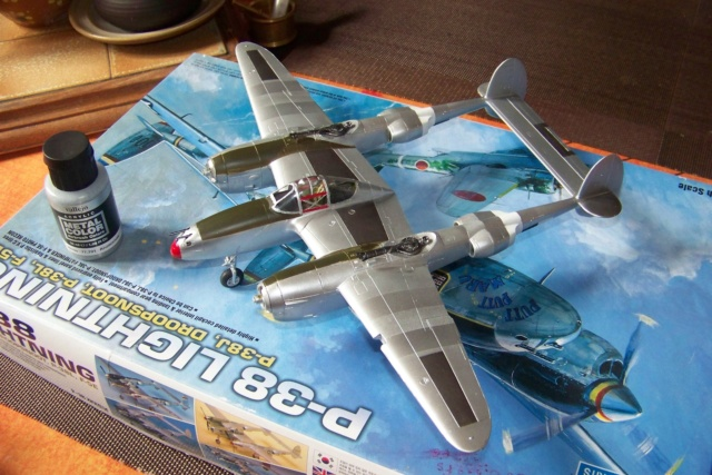 P-38J, ALG-A10 CATZ 07/44 ( Academy 1/48)( FINI ) - Page 3 100_5718