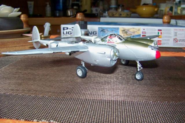 P-38J, ALG-A10 CATZ 07/44 ( Academy 1/48)( FINI ) - Page 3 100_5719