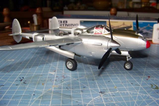P-38J, ALG-A10 CATZ 07/44 ( Academy 1/48)( FINI ) - Page 3 100_5720