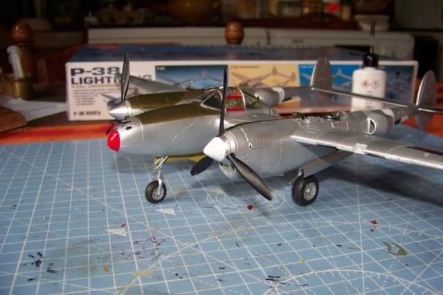 P-38J, ALG-A10 CATZ 07/44 ( Academy 1/48)( FINI ) - Page 3 100_5721