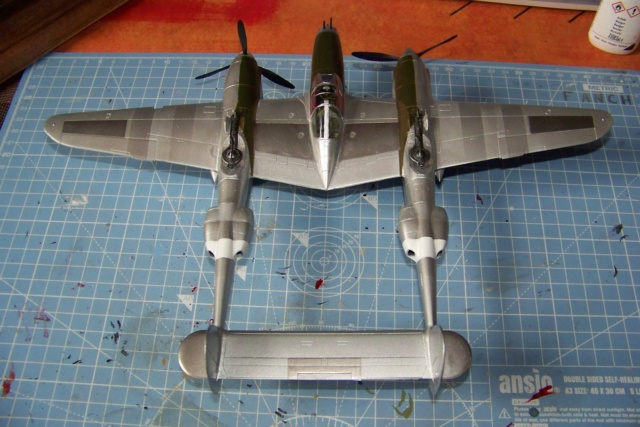 P-38J, ALG-A10 CATZ 07/44 ( Academy 1/48)( FINI ) - Page 3 100_5725