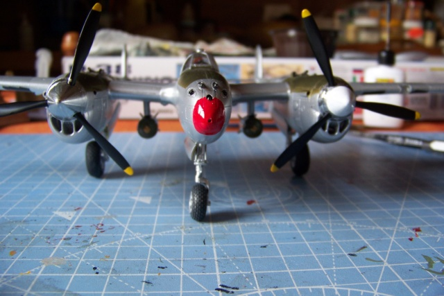P-38J, ALG-A10 CATZ 07/44 ( Academy 1/48)( FINI ) - Page 4 100_5728