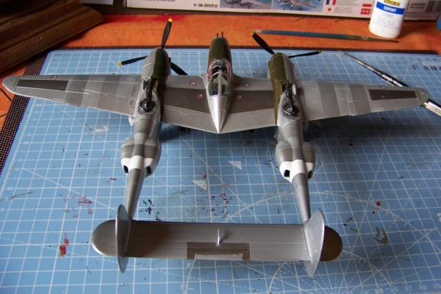 P-38J, ALG-A10 CATZ 07/44 ( Academy 1/48)( FINI ) - Page 3 100_5730