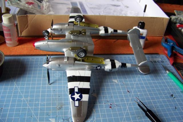 P-38J, ALG-A10 CATZ 07/44 ( Academy 1/48)( FINI ) - Page 3 100_5732