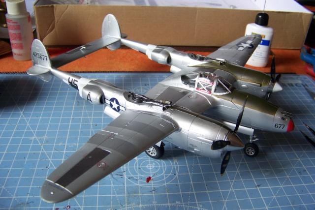 P-38J, ALG-A10 CATZ 07/44 ( Academy 1/48)( FINI ) - Page 3 100_5733