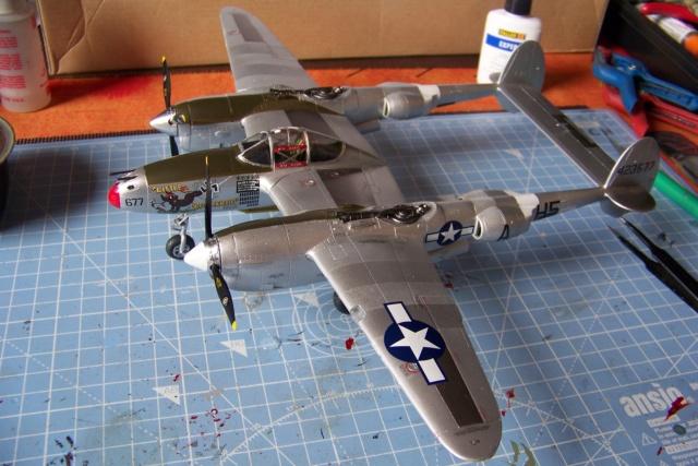 P-38J, ALG-A10 CATZ 07/44 ( Academy 1/48)( FINI ) - Page 3 100_5734