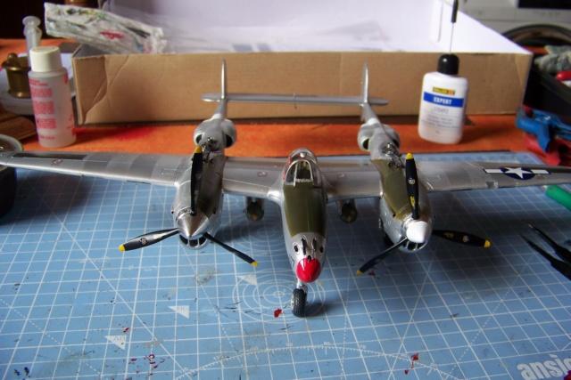 P-38J, ALG-A10 CATZ 07/44 ( Academy 1/48)( FINI ) - Page 3 100_5736