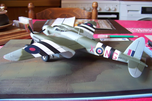 "DH 98 ""Mossie"" NF MK XIII 1/48  "" FINI ! "" - Page 3 100_5761"