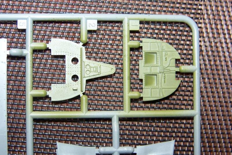 Ouvre Boite TBD-1 Devastator Great Wall Hobby 1/48 100_6280