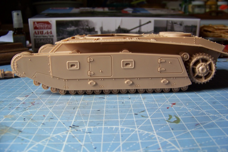 ARL-44 (Amuzing hobby 1/35) 100_6487