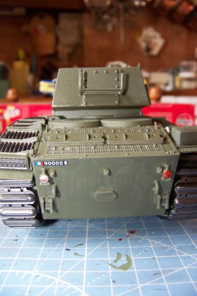 ARL-44 (Amuzing hobby 1/35) - Page 2 100_6810