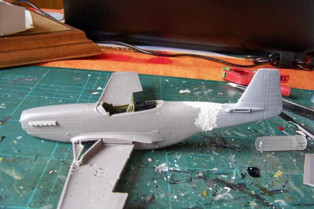 P-51D5 ICM 1/48  Lieutenant Charles H. SIMONSON, 356 FSq / 354 FGr (2013)FINI 100_7193