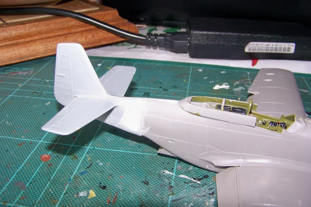 P-51D5 ICM 1/48  Lieutenant Charles H. SIMONSON, 356 FSq / 354 FGr (2013)FINI 100_7199