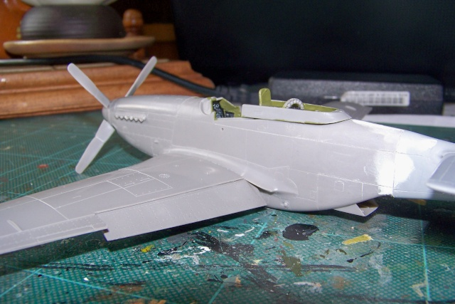 P-51D5 ICM 1/48  Lieutenant Charles H. SIMONSON, 356 FSq / 354 FGr (2013)FINI 100_7200