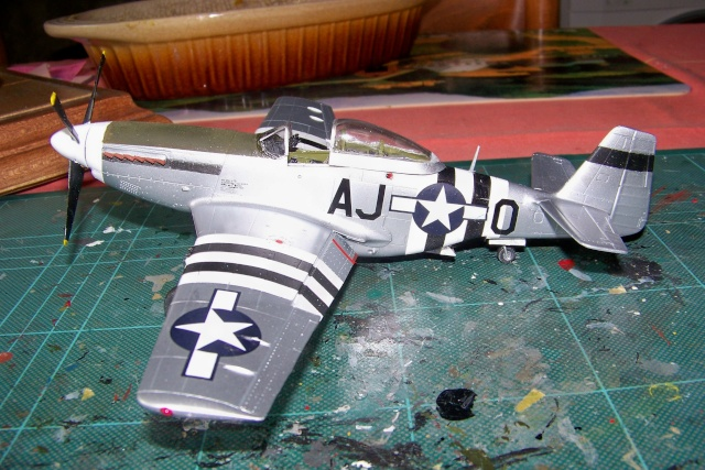 P-51D5 ICM 1/48  Lieutenant Charles H. SIMONSON, 356 FSq / 354 FGr (2013)FINI 100_7204