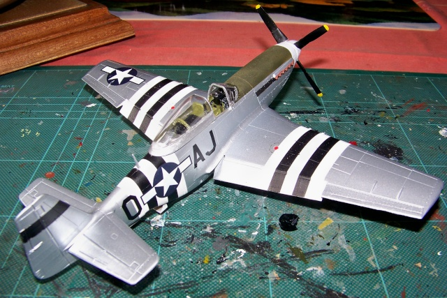 P-51D5 ICM 1/48  Lieutenant Charles H. SIMONSON, 356 FSq / 354 FGr (2013)FINI 100_7205