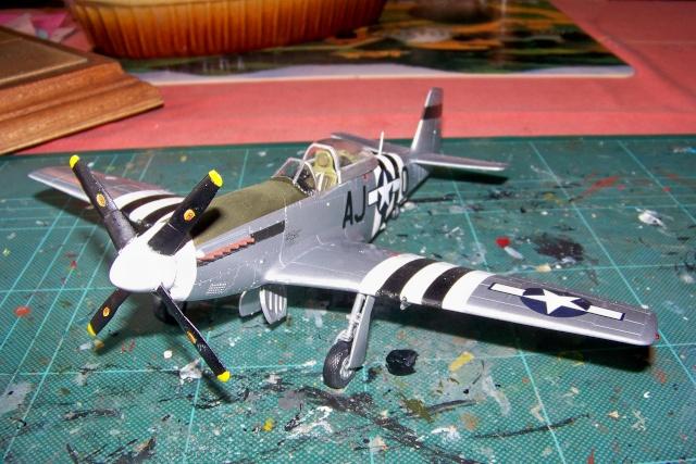 P-51D5 ICM 1/48  Lieutenant Charles H. SIMONSON, 356 FSq / 354 FGr (2013)FINI 100_7206
