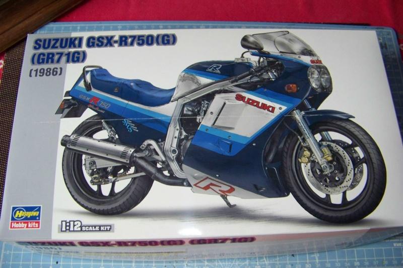 Suzuki GSXR 750 1986 (1/12 Hasegawa ) 100_7498
