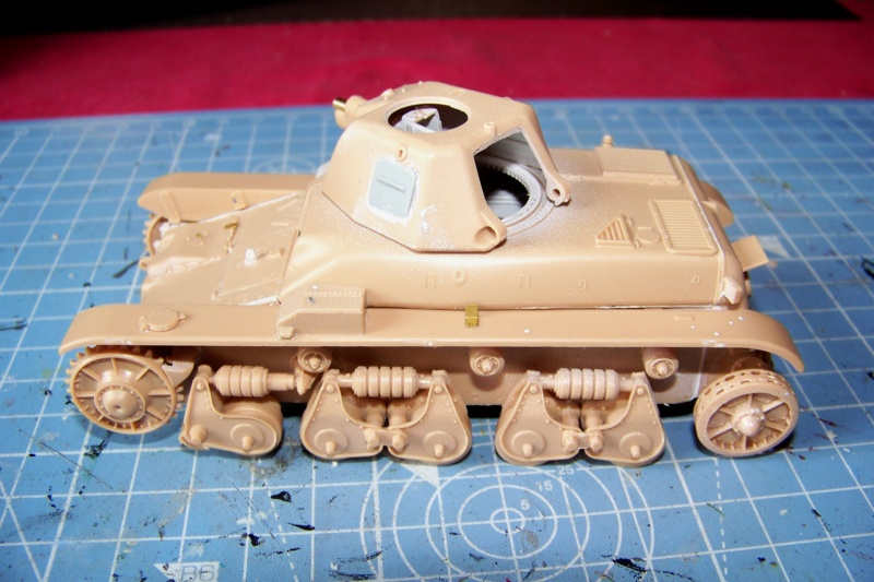 Fil rouge 2020 : Renault R-35 21 éme BCC Le BOA (1/35 hobby boss) - Page 3 100_7643
