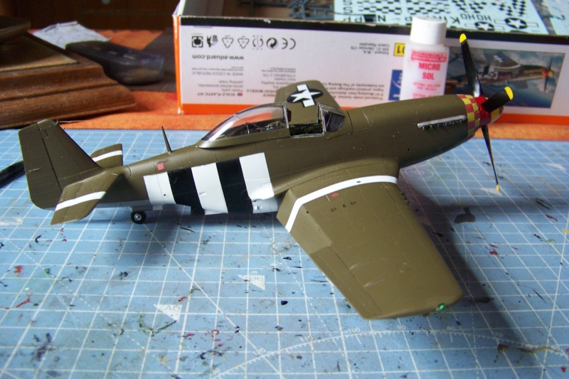 """ Frenesi "" P-51D5 ( Eduard 1/48) Fini - Page 5 100_8056"