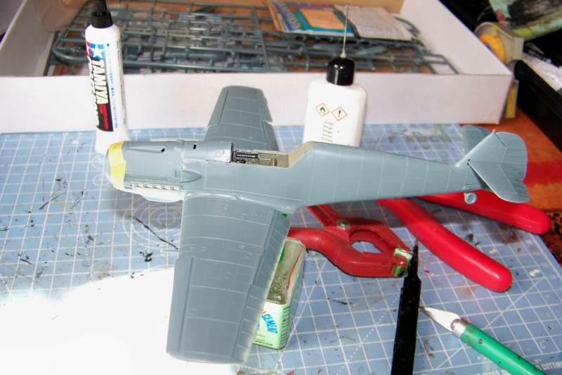 sur l' établi Bf 109 E3a 1/48 Eduard  Fini - Page 2 100_8277
