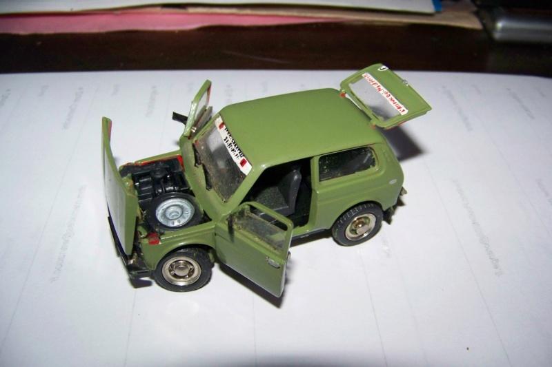 Nouvelle lubie.....L'automobile russe en miniatures. - Page 4 100_8351
