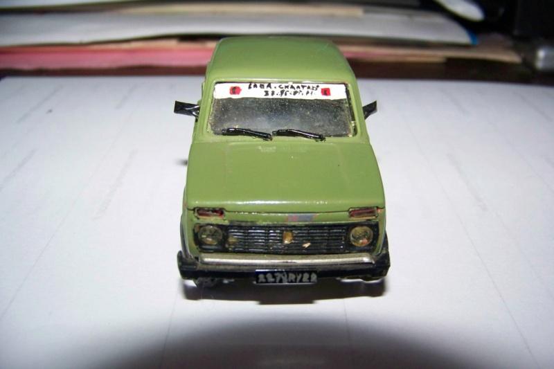 Nouvelle lubie.....L'automobile russe en miniatures. - Page 4 100_8352