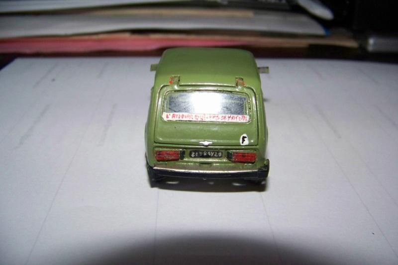 Nouvelle lubie.....L'automobile russe en miniatures. - Page 4 100_8354