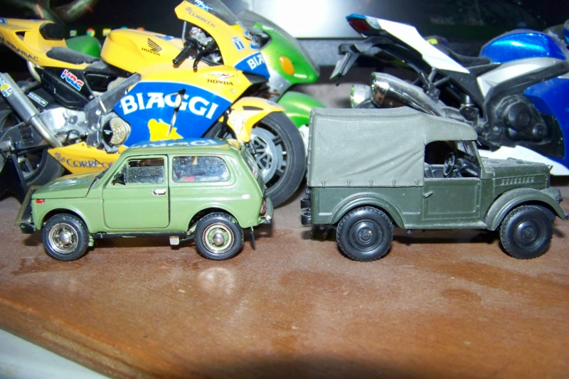 Nouvelle lubie.....L'automobile russe en miniatures. - Page 4 100_8355