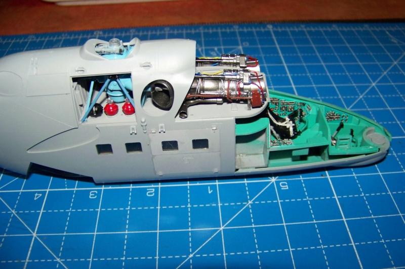 Mil Mi 24 V/VP Zvezda 1/48 - Page 2 100_8421
