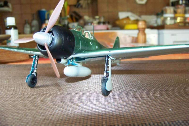 A6M3 Reisen type 32 Hamp ( ZERO) 1/48 Hasegawa Fini - Page 2 100_8559