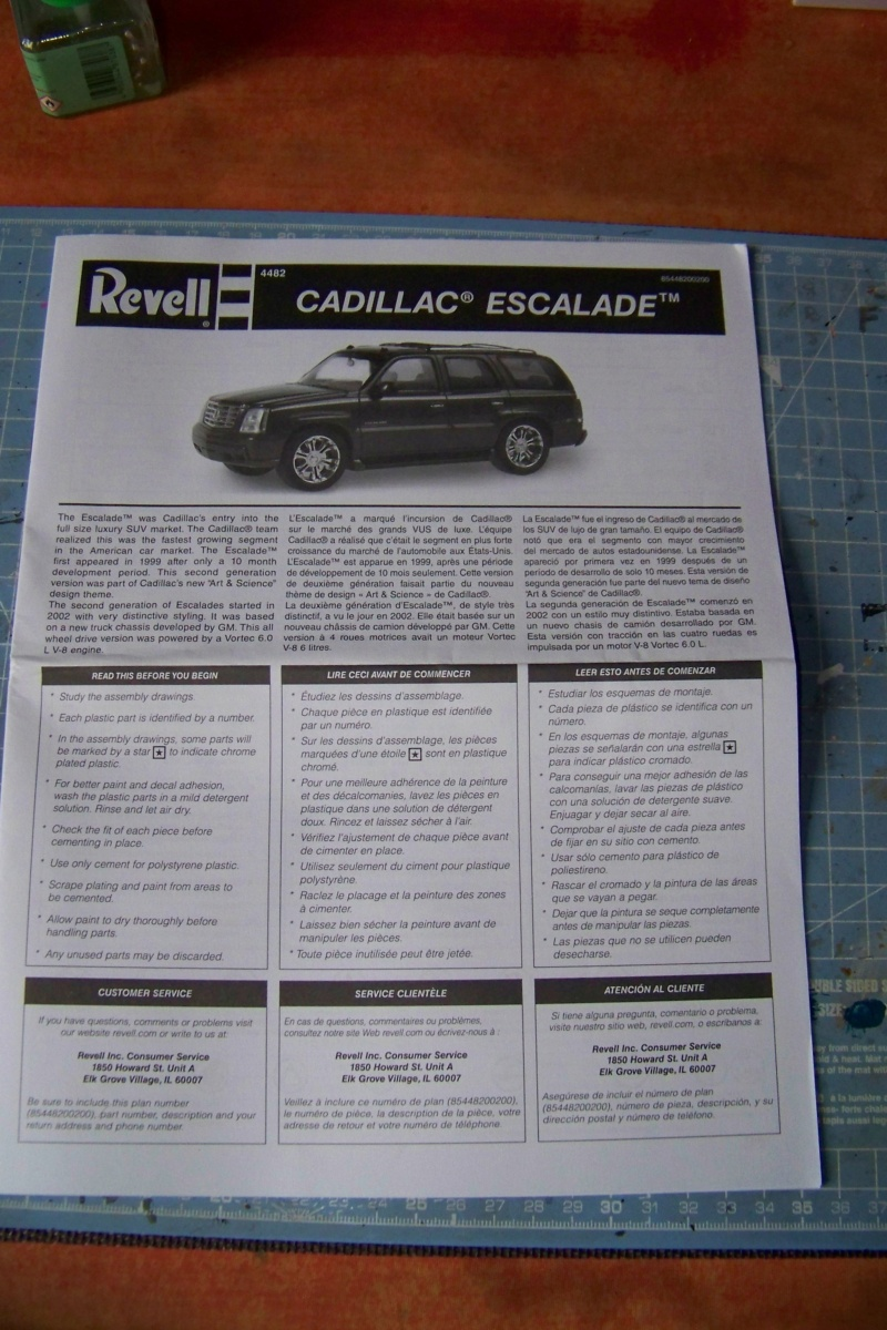 From the box - Cadillac Escalade Revell 1/25 100_8624