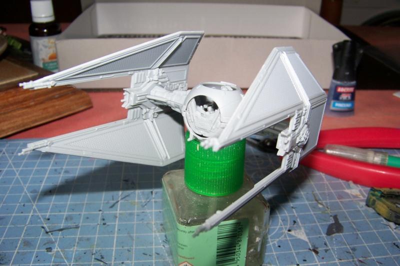From the box - Intercepteur Tie ( Revell easy model 1/72) 100_9114