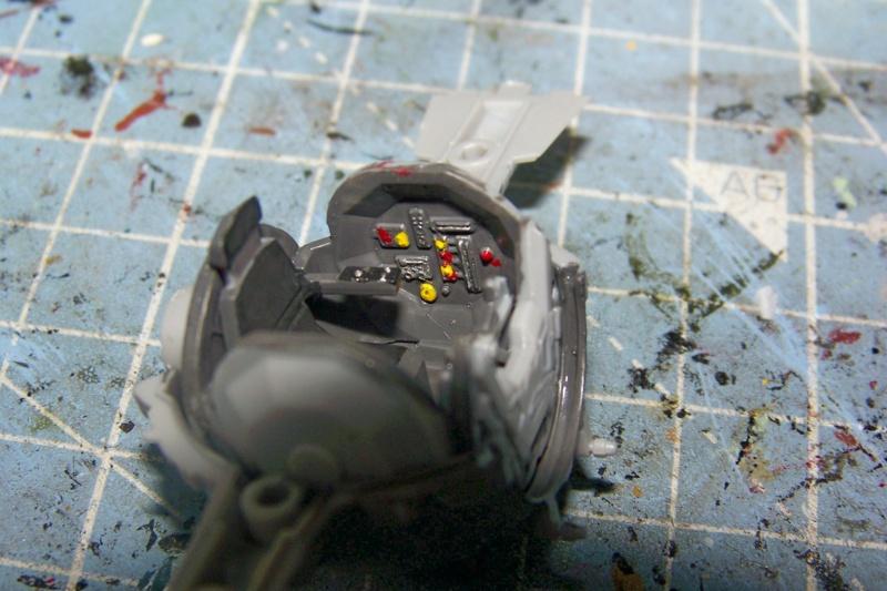 From the box - Intercepteur Tie ( Revell easy model 1/72) 100_9122