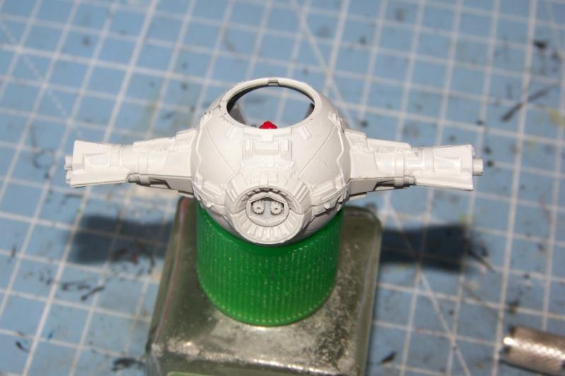 From the box - Intercepteur Tie ( Revell easy model 1/72) 100_9153