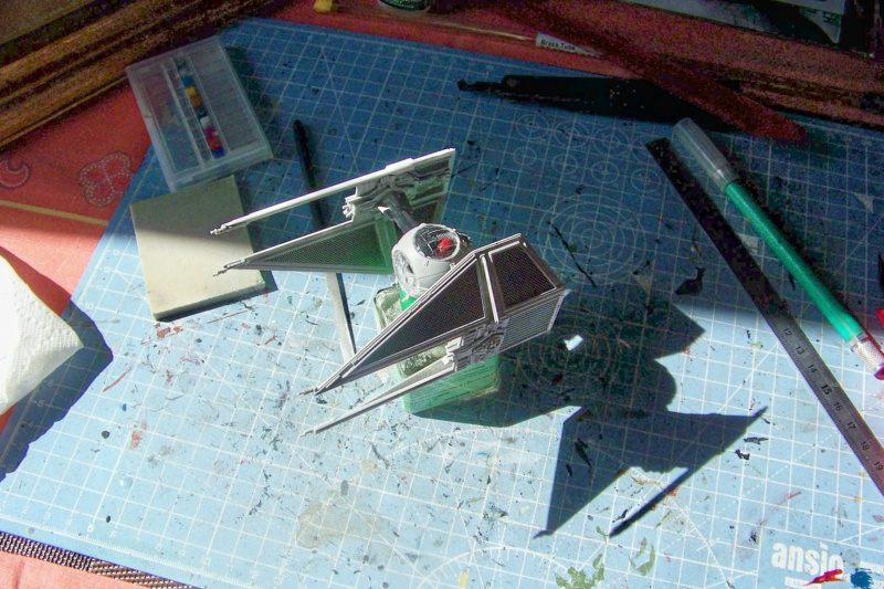 From the box - Intercepteur Tie ( Revell easy model 1/72) - Page 2 100_9216