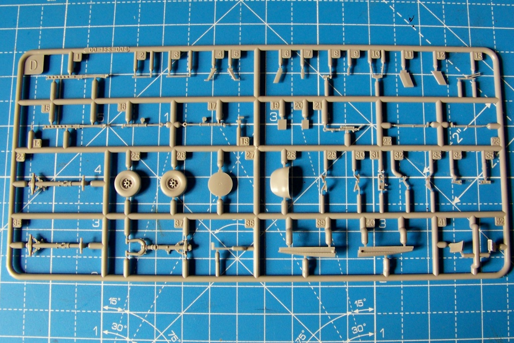 Ouvre Boite : FMA IA58 Pucara Kinetic 1/48 100_9443