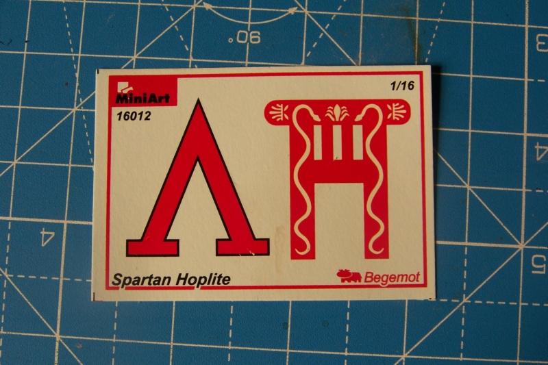 Hoplite Lacédémonien ( Spartiate) Miniart 1/16  100_9898