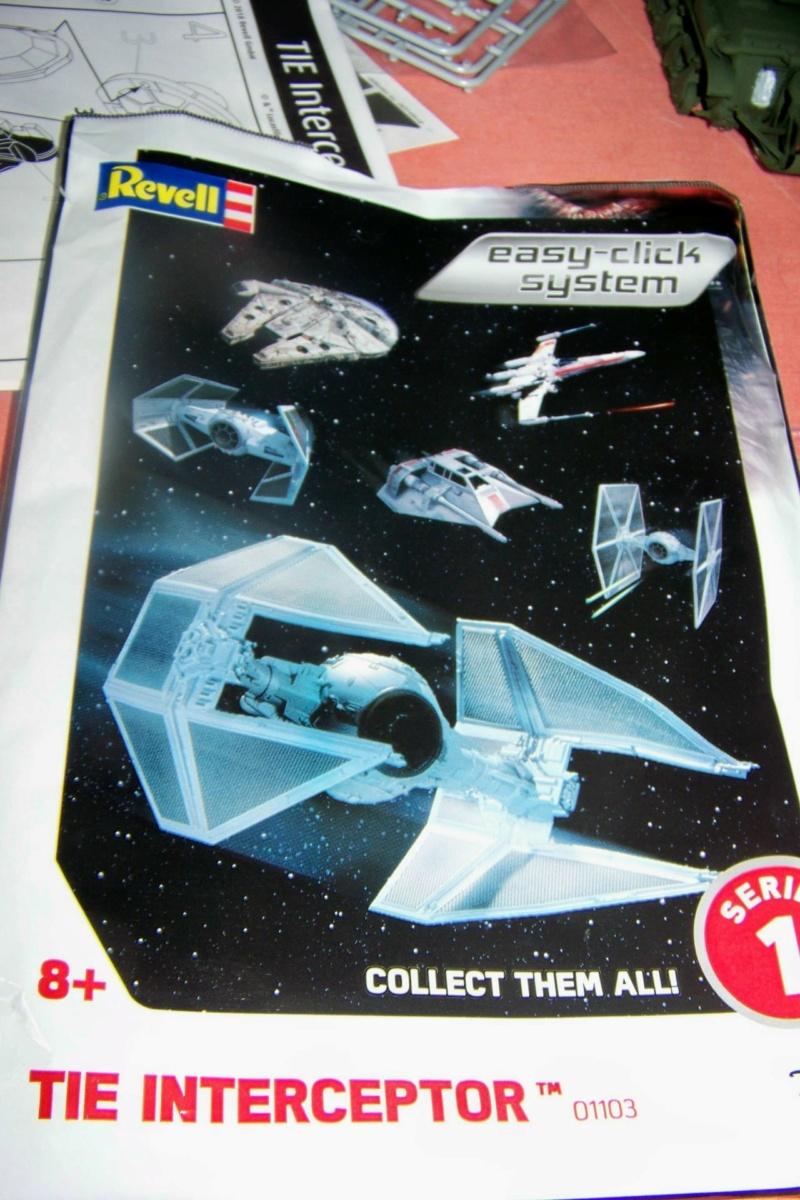 From the box - Intercepteur Tie ( Revell easy model 1/72) 16136410