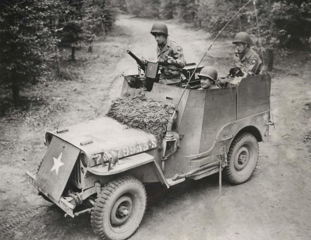 US Army 1/4 ton Armored Truck = Jeep Blindée ( Takom 1/35) 20150810