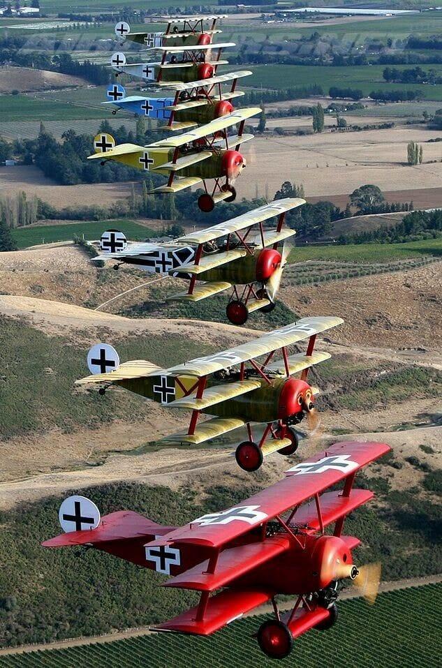 Fokker Dr 1 triplan de Manfred von Richthofen Revell 1/72 FINI !!!!!! - Page 2 24086810