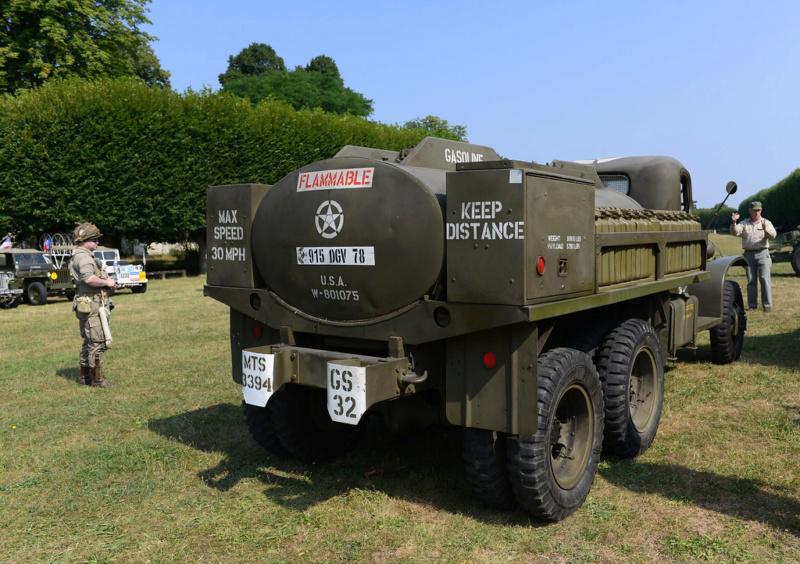 US 2 1/2 ton 6x6 airfield fuel truck _ Tamiya ech 1/48 44096510