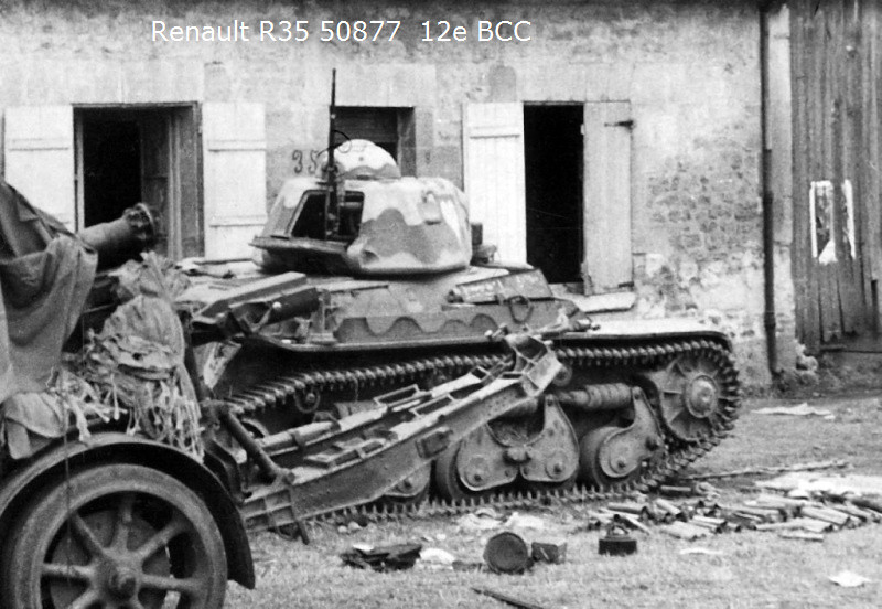 RENAULT R35 1/35 Fini !!!!!!!  - Page 2 50877210