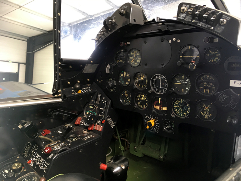 "F4U-7 Corsair ""french navy"" 48 de HASEGAWA (fini) Corsf410"