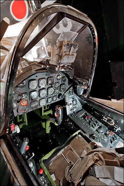 "F4U-7 Corsair ""french navy"" 48 de HASEGAWA (fini) F4u7_010"