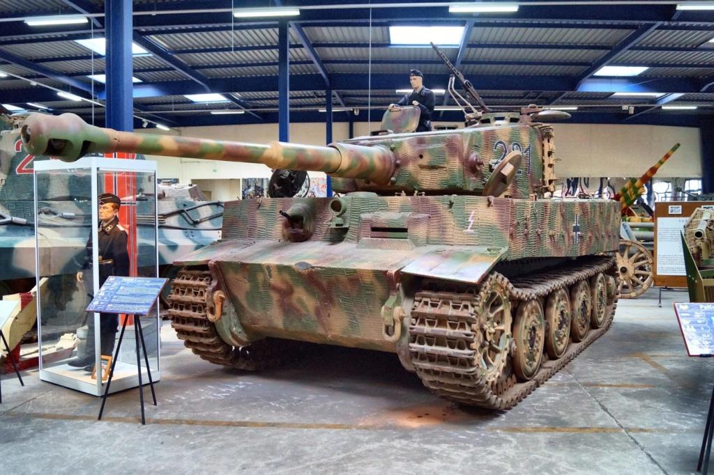 CHAR TIGRE I SDKFZ 181 AUSF e  1/25 Panzer11