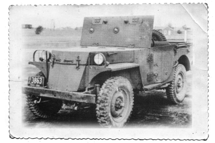 US Army 1/4 ton Armored Truck = Jeep Blindée ( Takom 1/35) T25_110